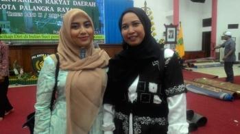 Mukarramah (kanan) anggota Komisi C DPRD Kota Palangka Raya.
