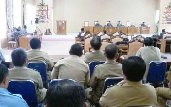 Suasana rapat paripurna istimewa DPRD Katingan terkait putusan Mendagri, Senin (12/6/2017)