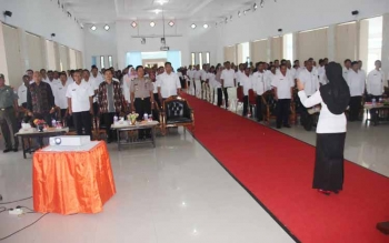 Aparatur Sipil Negara (ASN) dilingkungan pemerintah daerah Kabupaten Sukamara saat mengikuti kegiatan di aula bupati.