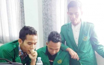 Tim debat konstitusi IAIN Palangka Raya yang terdiri dari Kamarullah, M Khoiril Anam, dan Ahmad Rifai.