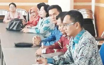 Komisi III DPRD Kotim saat rapat bersama Disdik Provinsi Kalteng.