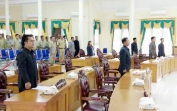 Suasana saat rapat paripurna akan dimulai. Dimana anggota DPRD yang hadir hanya 7 orang.