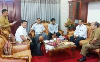 Pertemuan pihak KPU Mura dengan Wakil Bupati Mura, Darmaji di aula Setda, Selasa (13/6/2017).