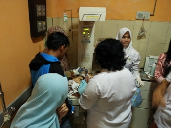 bayi yang ditemukan dalam closed toilet City Mall Sampit, akhirnya menghembuskan napas terakhir, di Rumah Sakit Umum Daerah (RSUD) Dr Murjani Sampit, Rabu (14/6/2017) dini hari, pukul 00.30 WIB.