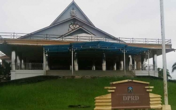 Gedung DPRD Murung Raya.