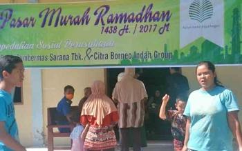 Pekan depan PT SSMS Tbk - CBI Group kembali menggelar kegiatan pasar murah ramadan di Kecamatan Kumai. Panitia telah menyiapkan sebanyak 2.300 paket sembako murah.