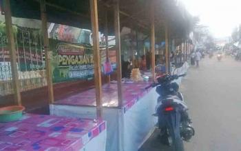 Lapak Pasar Ramadan di Jalan Merdeka Kota Puruk Cahu, Kamis (15/6/2017).