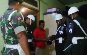 Subdenpom XII/2-2 Pbn menggelar razia bertajuk Operasi Penegakkan Ketertiban Wira Mandau 2017 di sejumlah hotel dan karaoke serta kawasan prostitusi, Sabtu (17/6/2017) malam.