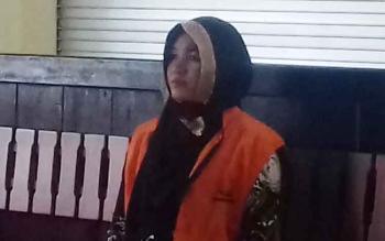 Megawati alias Mega alias Novi saat jalani sidang.