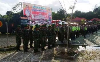 Apel gelar pasukan operasi Ramadniya telabang 2017 di halaman Polres Mura, Senin (19/6/2017).