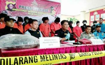 Kepolisian Daerah Kalimantan Tengah menggelar pers rilis pengungkapan tujuh tersangka kriminal di tiga daerah, Selasa (20/6/2017).