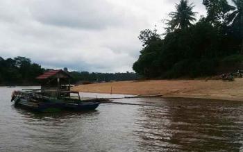 Sungai Barito masih menjadi akses penting penghubung antar desa maupun kecamatan di Kabupaten Murung Raya (Mura)
