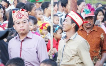 Ketua Komisi III DPRD Kotim, Rimbun (kiri).
