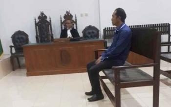 Riadi Junniardi saat jalani sidang tuntutan di Pengadilan Tipikor Palangka Raya.