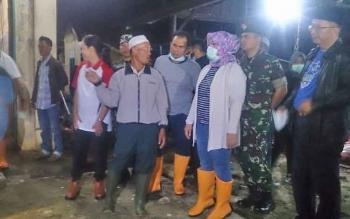 Melonjaknya permintaan daging sapi, Bupati dan Wakil Bupati beserta unsur FKPD melakukan sidak ke RPH Pangkalan Bun, Kamis (22/6/2017) malam hingga Jumat (23;6;2017) dini hari.