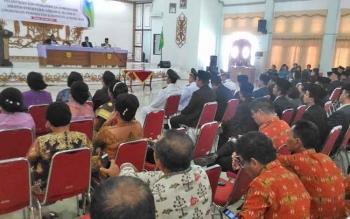 Bupati Gumas Arton S Dohong menyampaikan sambutan di GPU Damang Batu Kuala Kurun, kemarin