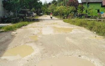 Kondisi jalan yang ada di Kelurahan Puruk Cahu, Kabupaten Murung Raya, Jumat (23/6/2017).