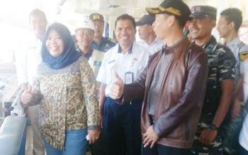 Bupati Kotawaringin Barat, Hj Nurhidayah dan FKPD melakukan sidak ke pelabuhan Roro dan Penglima Utar Kumai serta Bandara Iskandar untuk memantau arus mudik lebaran, Jumat (24/6/2017).