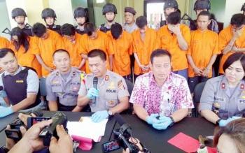 Kapolres Palangka Raya AKBP Lili Warli saat ekspos kasus kejahatan yang berhasil ditangani dalam sepekan