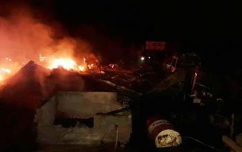 Kondisi Gudang Central PT Task III yang terbakar pada Kamis (22/6/2017).