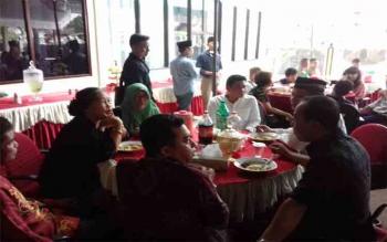 Acara open house di kediaman Ketua DPRD Kotim, Jhon Krisli.