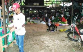 Suasana Pasar Pelita, Kota Puruk Cahu, Kabupaten Murung Raya.