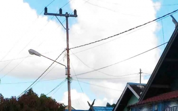 Jaringan listrik PLN di Kuala Kurun, ibu kota Kabupaten Gunung Mas.