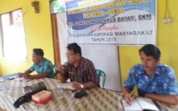 Anggota DPRD Bartim Gomelson Lazarus Bayan SKM saat melakukan reses perorangan di Desa Jaweten Kecamatan Dusun Timur pada Kamis (01/06/2017).