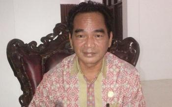 Ketua DPRD Barsel, Tamarzam.