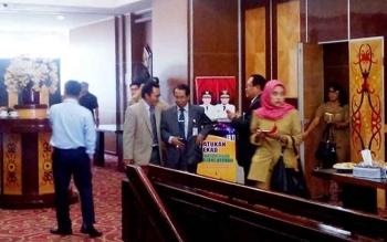 Peserta RUPS saat berada di liar ruang Eka Hapakat lantai 3 kantor gubernur Kalteng
