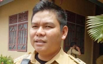 Camat Seribu Riam, Hendra Hadikusuma.