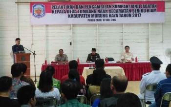 Pelantikan Kades Tumbang Naan di gedung aula DPMD Mura, Jumat (7/7/2017) sore