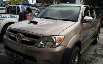 Barang bukti mobil yang menabrak anak-anak di Bandara H Asan Sampit.