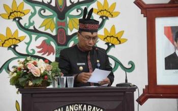 Wakil Wali Kota Palangka Raya Mofit Saptono Subagio saat menyampaikan sambutan pada Rapat Paripurna, Jumat (7/7/2017).