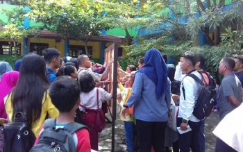 Pengumuman PPDB di salah satu sekokah di Sampit.