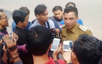 Bupati Kotim H Supian Hadi saat dibincangi awak media