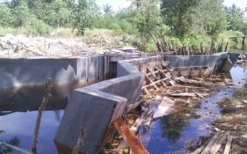 Innilah pembangunan di Desa Tamban Makmur yang dipertanyakan anggota BPD