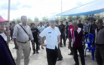 Bupati Kapuas Ben Brahim S Bahat turun langsung ke lapangan membela hak-hak warga