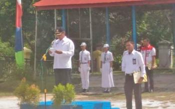 Wali Kota Palangka Raya Riban Satia saat menjadi inspektur upacara peringatan Hari Anti Narkoba Internasional, Kamis (13/7/2017).