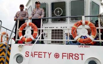 Gelombang Besar Hambat Evakuasi Korban Selamat KM Karya Bersama