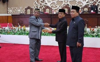 Fraksi PDIP 'Awali' Tanda Setuju di Raperda Hak Keuangan DPRD Kalteng