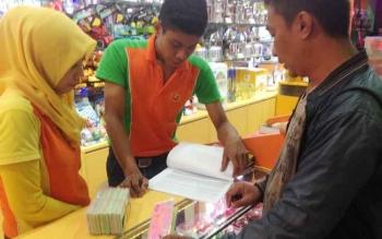 Waduh, Fun Station City Mall Berikan Penggaris Bergambar Palu Arit kepada Pengunjung!