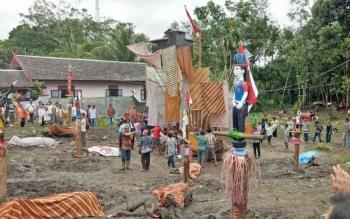 Upacara tiwah di Desa Tumbang Jutuh, Kecamatan Rungan, Kabupaten Gunung Mas, Rabu (19/7/2017).