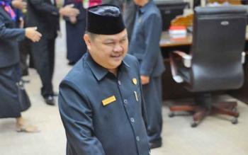 Ketua DPRD Barito Utara Set Enus Y Mebas.