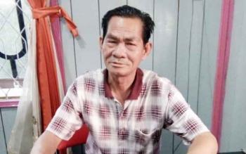 GMA Badrun, petani kelapa sawit yang juga tokoh masyarakat Desa Kujan