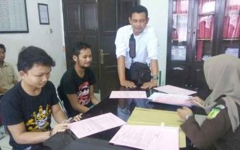 Dua Warga Ditangkap Angkut Sawit, Rekan-Rekannya Langsung Kabur