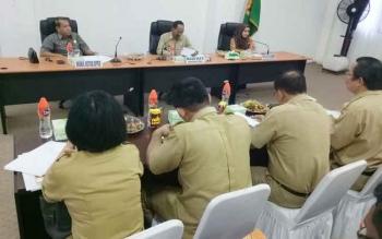 Wakil Ketua DPRD Gumas Punding S Merang (paling kiri) saat rapat koordinasi dan advokasi pelaksanaan program JKN-KIS, Selasa (25/7/2017)