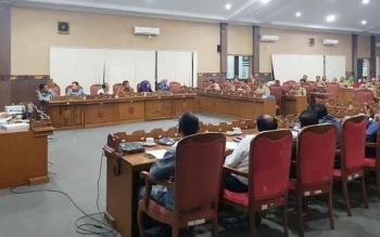 Pembahasan raperda inisiatif DPRD Kotim, tentang tunjangan penghasilan.