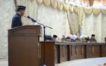 Juru bicara Fraksi PAN di DPRD Barito Utara Hasrat saat menyampaikan pendapat akhir fraksinya terhadap raperda pedoman pengelolaan BLUD RSUD Muara Teweh dalam Rapat Paripurna, Selasa (25/7/2017).