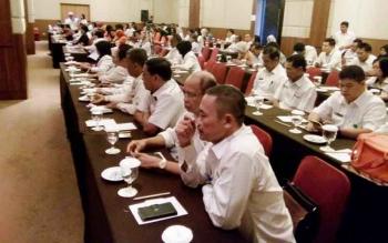 Personil PKB dan PLKB diserahkan ke pusat (BKKBN), tetapi untuk sarana dan prasarana tidak diserahkan alias tetap menjadi aset pemerintah kabupaten dan kota